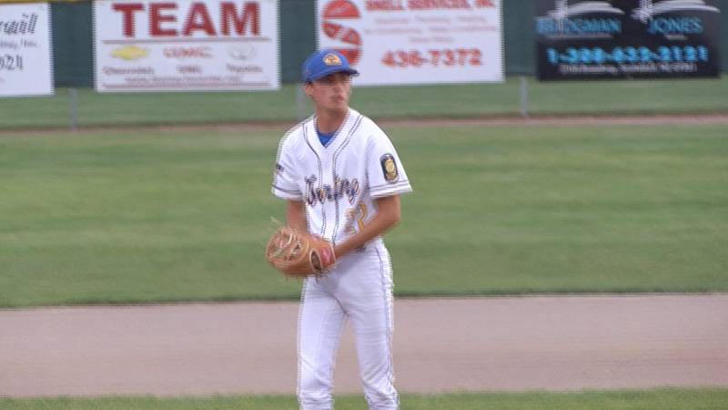 Gering PVC and Westco Express earn wins on Monday in baseball action.