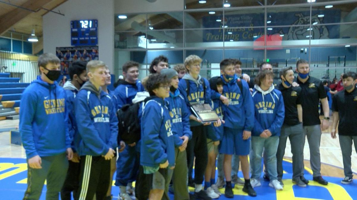 Gering wrestling team leading in Class B team standings after day one of competition.
