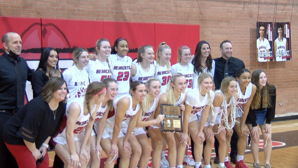 Scottsbluff girls basketball team defeats Elkhorn 49-37 to claim district title and trip to...