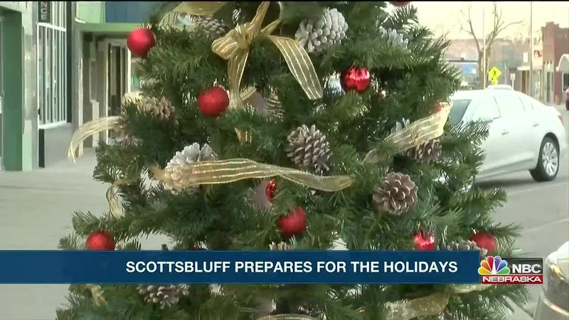 The City of Scottsbluff beginning preparations for Holiday season.