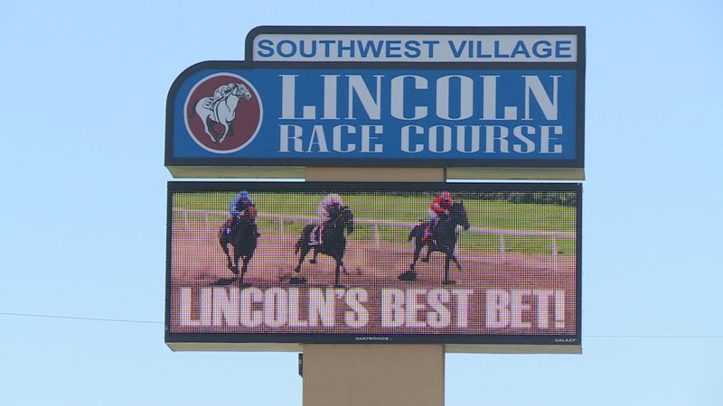 The CEO of Lincoln Racecourse among others are working to get casino gambling on this...