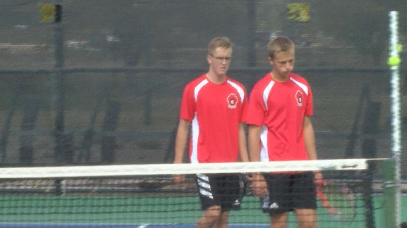 Scottsbluff boys tennis team finishes second in invite team standings on Saturday.